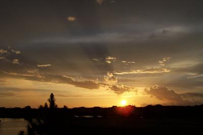 sunset-small.JPG