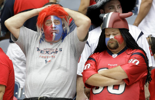 http://lastrow.files.wordpress.com/2008/10/texans-fans.jpg